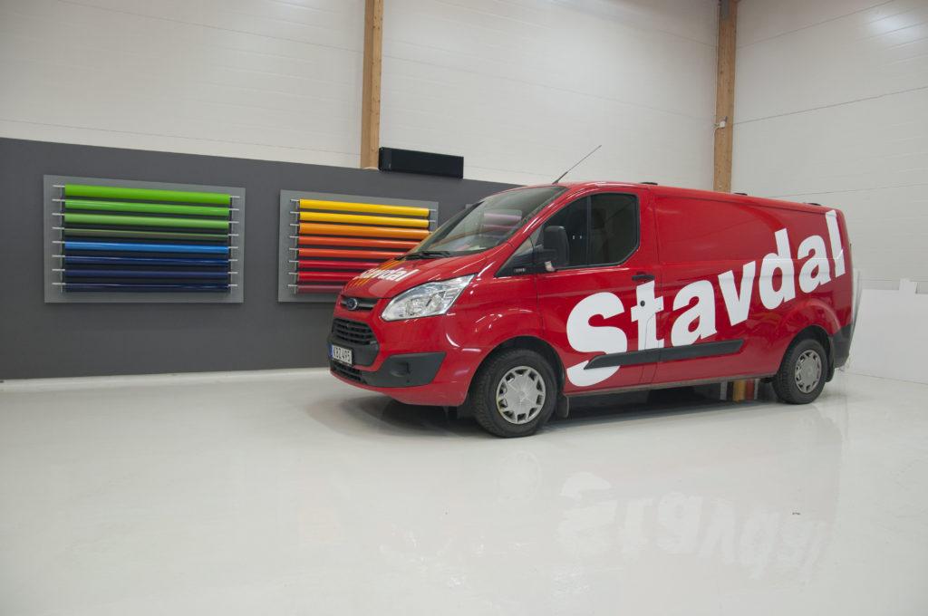 Bildekor åt Stavdal firmabil
