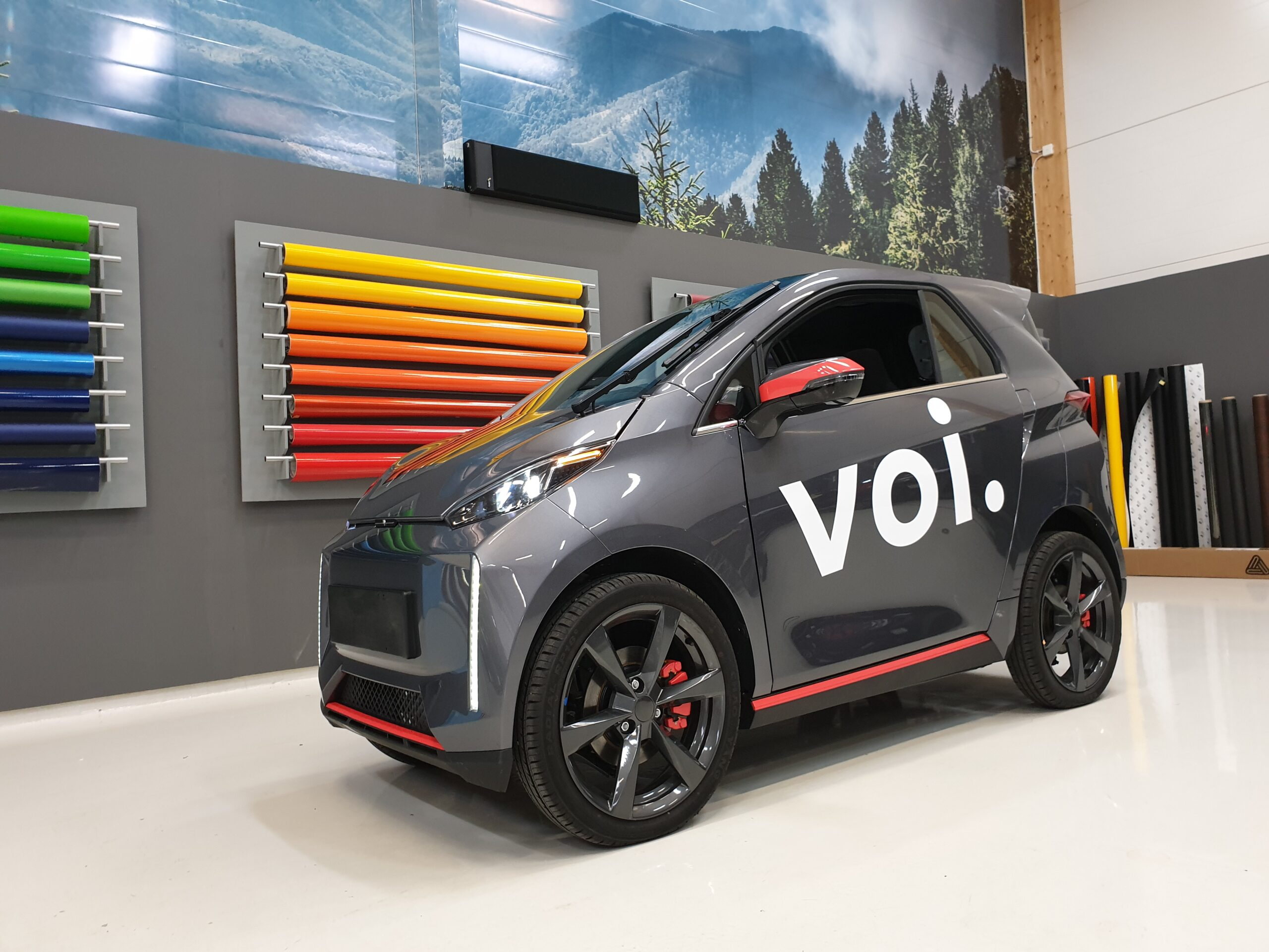 Foliering och dekorfolie på elmopedbil från Voi